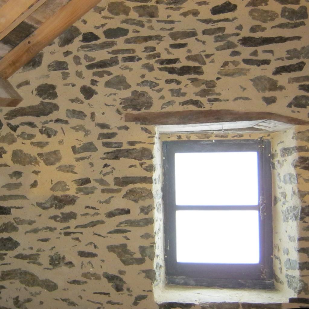 enduit chaux aerienne pierre vue interieur renovation aveyron pieds nus habitat pieds nus habitat. Black Bedroom Furniture Sets. Home Design Ideas