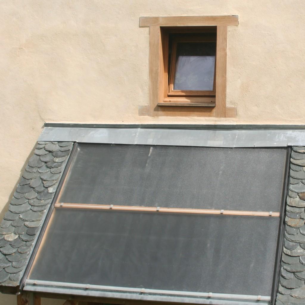capteur_solaire_eau_chaude_sanitaire_et_enduit_chaux_aerienne_aveyron